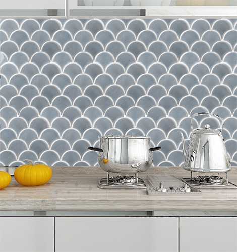 Grey Crackle Porcelain Mosaic Tile in Fish Scale Designs for Kitchen and Bathroom CPT129